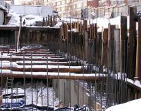 Высота сдерживаемого стенкой грунтового массива составляла от трех до десяти метров